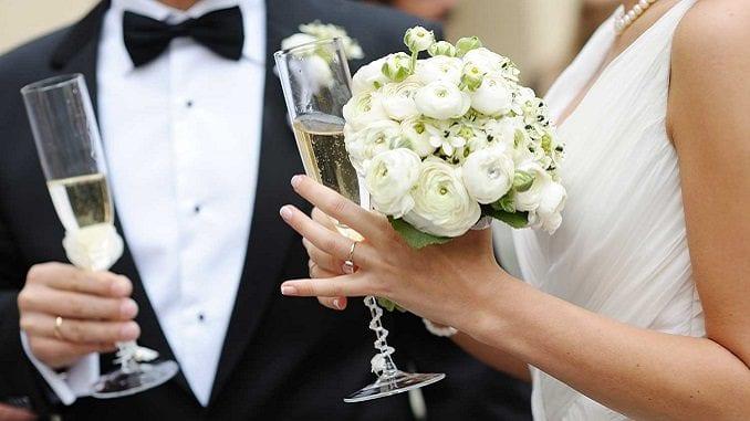 Короткие тосты на свадьбу в стихах
