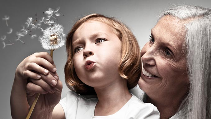 Изображение - Поздравление бабушке от внучек с днем рождения babushka-s-vnuchkoj